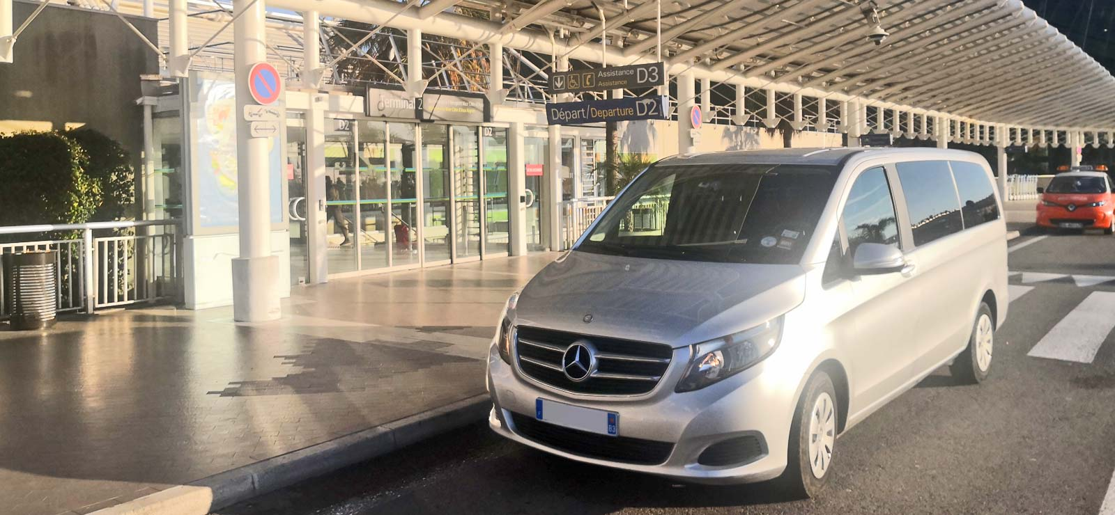Airport and station transfers